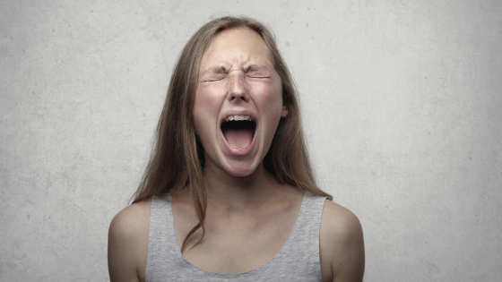 Ep. 26: Hablemos sobre violencia en el hogar, con Alexis Solis